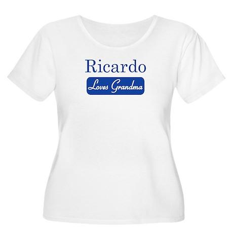 Ricardo loves grandma Women's Plus Size Scoop Neck