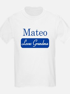 Mateo loves grandma T-Shirt