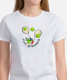 TENNIS GRANDMA Women's T-Shirt