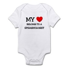 My Heart Belongs To A SPHAGNOLOGIST Infant Bodysui