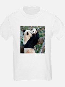 Mom & Baby Giant Pandas T-Shirt