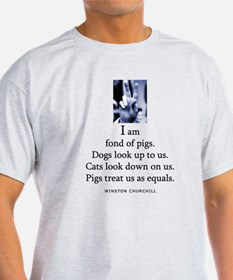Fond of pigs T-Shirt