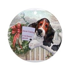 Cute Basset christmas Ornament (Round)