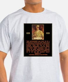 MacArthur on Government Scare Tactics T-Shirt