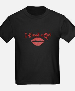 I Kissed a Girl T