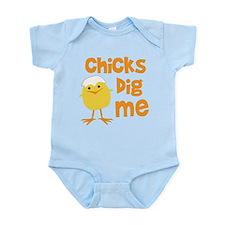 Chicks Dig Me Infant Bodysuit
