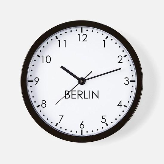 BERLIN Modern Newsroom Wall Clock