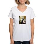 Woman w/Pitcher - Beagle Women's V-Neck T-Shirt