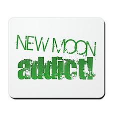 New Moon Addict - green Mousepad