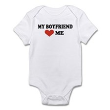 My boyfriend loves me Infant Bodysuit