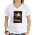 Queen / Cocker Spaniel (blk) Women's V-Neck T-Shir