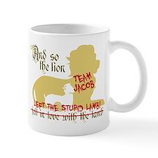 Lion left stupid lamb Mug