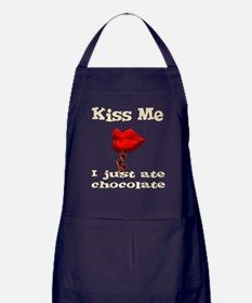 Chocolate Kiss Apron (dark)