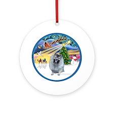 Xmas Magic - Keeshond (F) Ornament (Round)