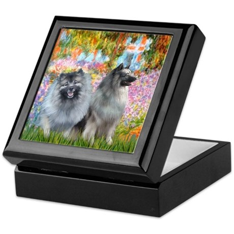 Garden / Two Keeshonds Keepsake Box