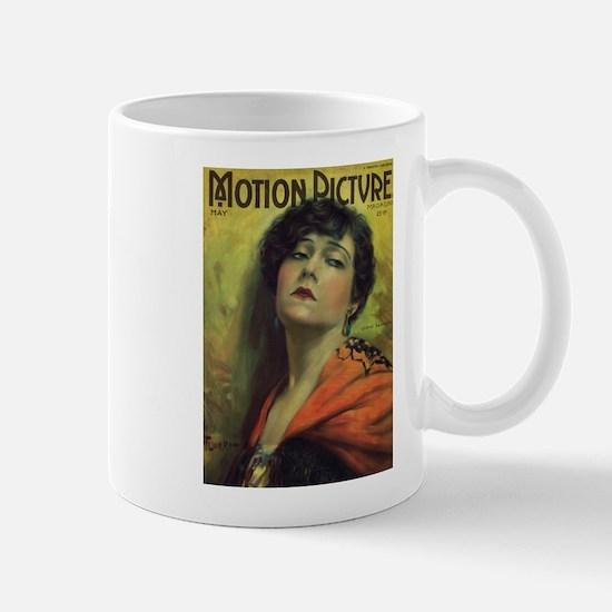 Gloria Swanson May 1922 Mug