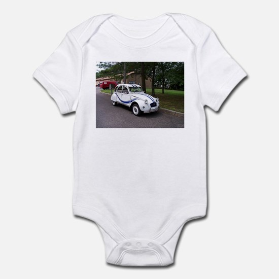 2CV Infant Bodysuit