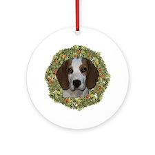 Beagle Dogs Xmas Wreath Ornament (Round)
