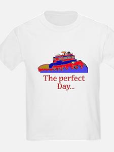 boat boating tug T-Shirt