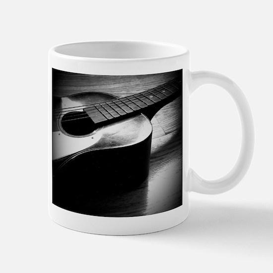 Old Guitar (L) Mug