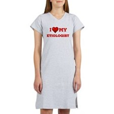 I worship no one but me. T-Shirt