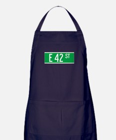 E 42 St., New York - USA Apron (dark)