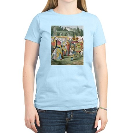 Alice and the Queen Women's Light T-Shirt