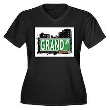 Grand Av, Bronx, NYC Women's Plus Size V-Neck Dark