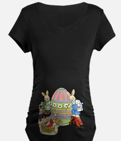 Bunny Family Painting Eggs T-Shirt