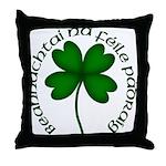 Four Leaf Clover (Gaelic) Throw Pillow