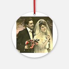 VINTAGE WEDDING COUPLE Ornament (Round)