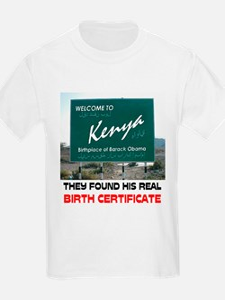 IS HE KENYAN ? T-Shirt