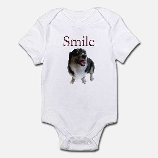 Smiling Dog Infant Bodysuit