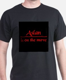 Aslan is on the move Black T-shirt