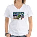 Xmas Magic / 2 Shelties (dl) Women's V-Neck T-Shir