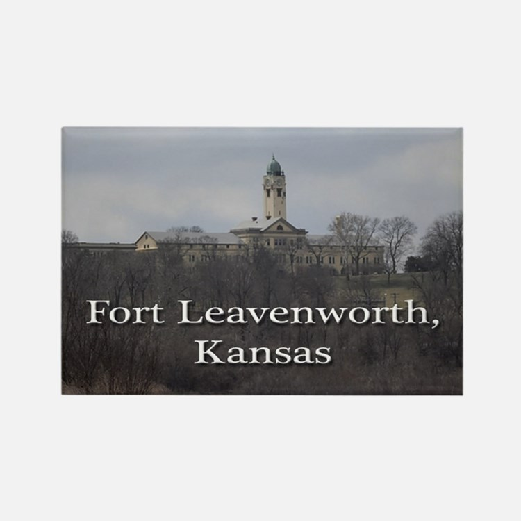 fort leavenworth women The leavenworth 10 – uncommon injustice located 25 miles north of kansas city, kansas, fort leavenworth is home to the.