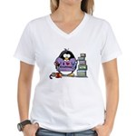 I love crafting penguin Women's V-Neck T-Shirt