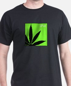 Ipot Leaf Black T-Shirt