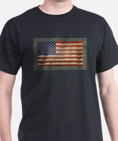 Distressed flag with border T-Shirt
