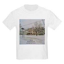 SNOW PILING UP ! Kids T-Shirt