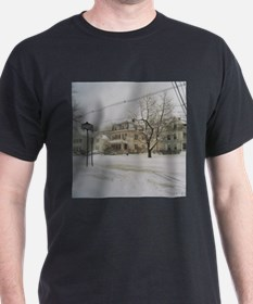 SNOW PILING UP ! Black T-Shirt