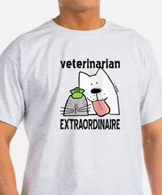 Veterinarian Extraordinaire T-Shirt