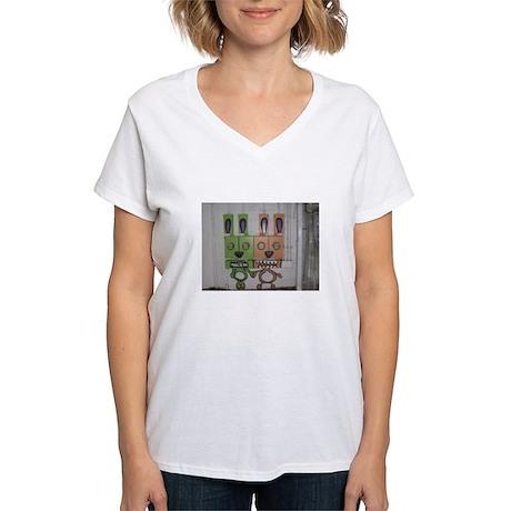 Robots Women's V-Neck T-Shirt