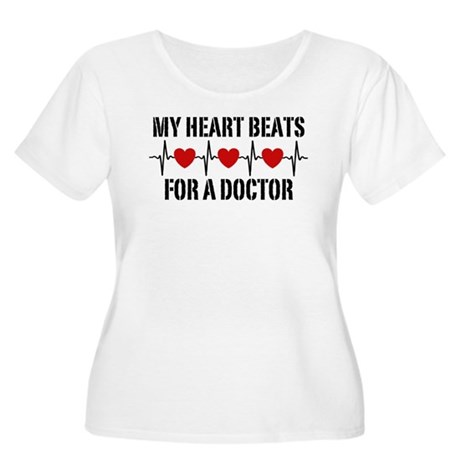 My Heart Beats For A Doctor Women's Plus Size Scoo