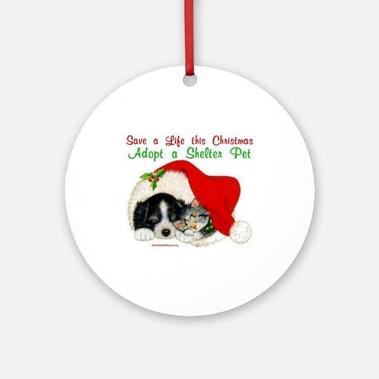 Christmas Puppy & Kitten Ornament (Round)