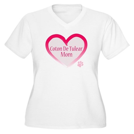 Pug Mom Women's Plus Size V-Neck T-Shirt