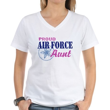 Proud Air Force Aunt Women's V-Neck T-Shirt