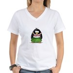 Hula Penguin Women's V-Neck T-Shirt