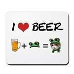 Beer + funny frog hat Mousepad