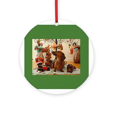 Christmas Dachshund (Ver.2) Ornament (Round)